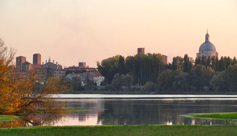 Lago di Mantua ~ photo courtesy of Mantua Weddings
