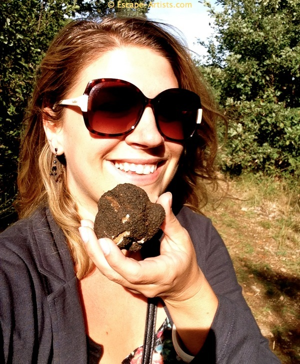 Check out this beauty! And she's holding a truffle!